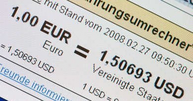 Euro hits record high against the dollar