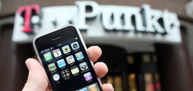 T-Mobile slashes iPhone price to €99