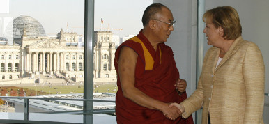 Merkel welcomes China's offer to talk with Tibet