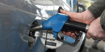 Germans back tax cuts to lower petrol prices