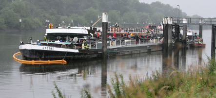 Barge collision causes huge oil spill near Hamburg