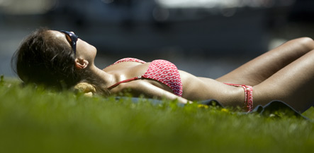 Hottest day of the year makes Germany sweat
