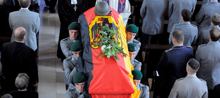 Robbe says German military morale endangered