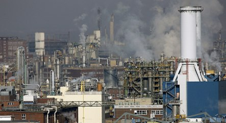 Report claims EU climate plan could cost 100,000 jobs