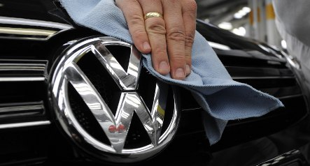 Volkswagen asks for state guarantees for financial unit