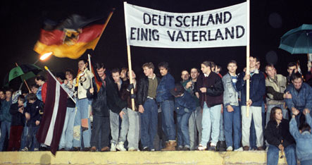 Germans disappointed by reunification
