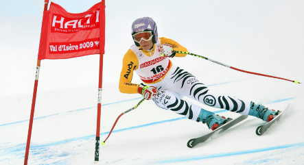 Skier Riesch suffers nasty fall during downhill training