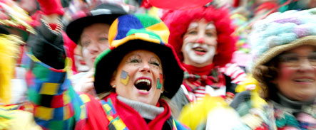 Despite financial crisis, carnival lovers to party on