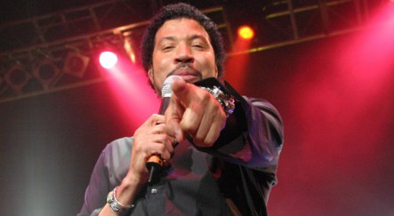 Singer Lionel Richie looking for old home in Berlin