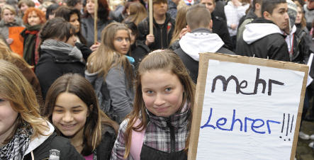 Germany mulling measures to take on foreign school teachers