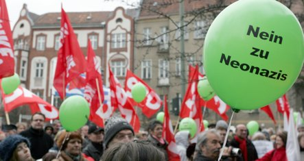 500 protest neo-Nazi NPD party conference in Berlin