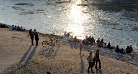 Two feared drowned in river after beer garden afternoon