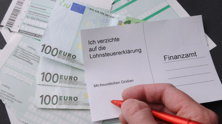 SPD moots €300 rebate for not filing income tax returns