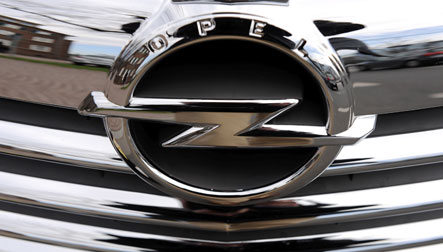 Opel cuts executive pay