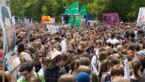More than 10,000 students were in Berlin, while it was expected 200,000 students protested in 90 cities across Germany.Photo: Sabine Devins photo