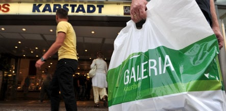 Merkel rules out state aid for retailer Arcandor
