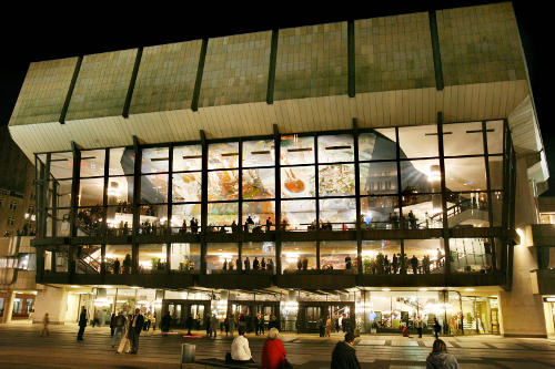 The <i>Gewandhaus</i> or concert hall in Leipzig was built in 1981 and is still home to musical events today. Photo: DPA