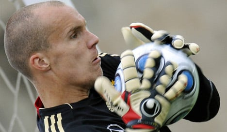 Enke poised to keep German goal at World Cup in South Africa