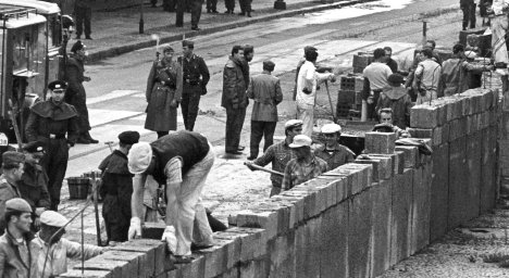 Berlin remembers the day the Wall went up
