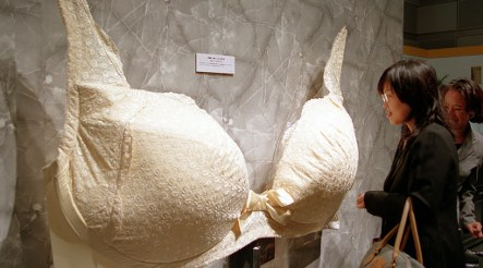 Driver uses bra to stop accident victim bleeding to death