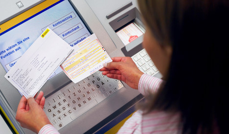 Bonn bank manager plays Robin Hood for overdrawn customers