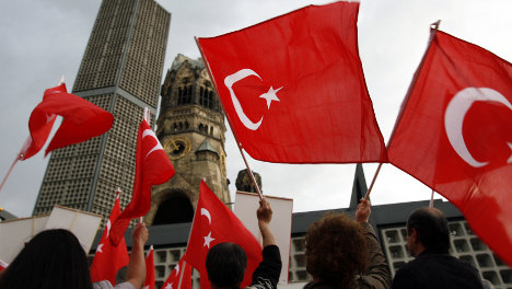 Turks: Germany must do more for integration