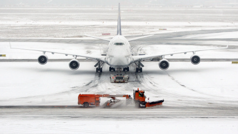 Weather forces airport closures, cancellations