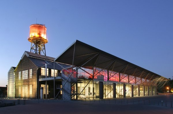 """The Jahrhunderthalle, """"Century Hall"""" in Bochum was reconstructed by Petzinka-Pink Architectural Office and pays tribute to the original lofty steel design of the hall. Photo: RUHR.2010"""
