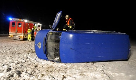 Accidents close icy autobahns nationwide