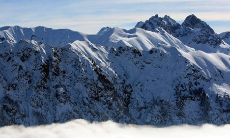 British airman killed in avalanche during training