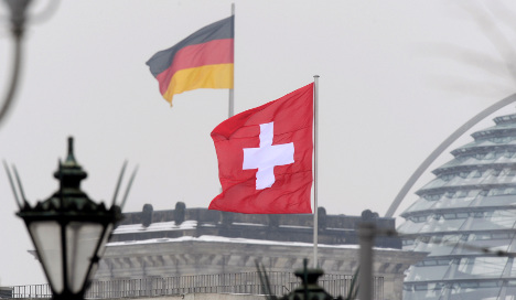 Swiss MP threatens fire with fire over bank data