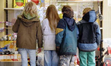 Court rejects extra welfare to clothe growing children
