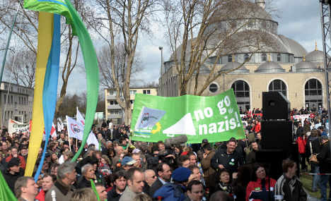 Thousands protest neo-Nazi demonstration in Duisburg