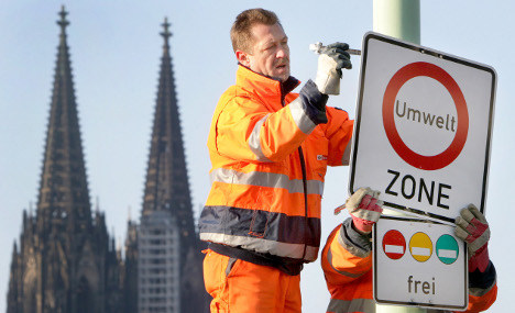 FDP: 'Foolish' traffic sign changes must end