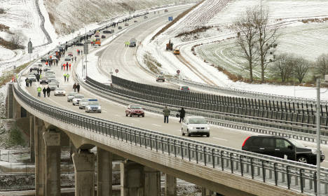 Week off to a slippery start as icy roads cause multiple accidents