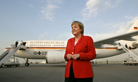 Ash cloud forces Merkel to overnight in Lisbon