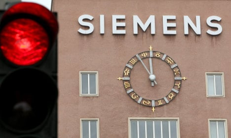 Former Siemens execs fined for corruption