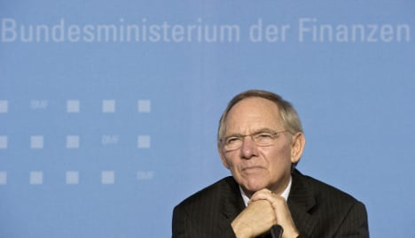 Schäuble to urge banks to join Greek bailout