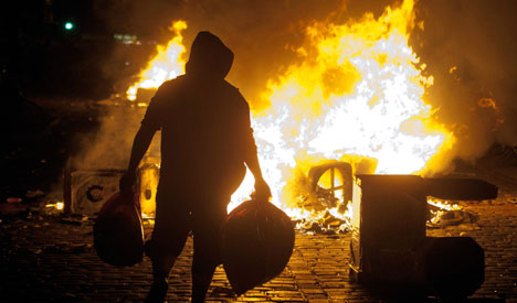 Hamburg sees first May Day clashes