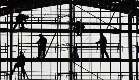 Jobless rate drops amid growing confidence