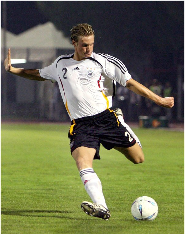 Marcell Jansen<br>Midfielder Marcell Jansen is on the squad having recovered from a nasty ankle injury earlier this year. The 24-year-old Hamburg SV midfielder made a name or himself at the previous World Cup as the youngest player on the team. His runs up the flank and crossing ability should be an asset to the German attack, and at 1.91 metres he is a force to be reckoned with in the penalty area.Photo: DPA
