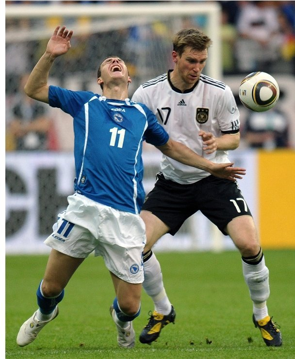 Per Mertesacker<br>Per Mertesacker is the 1.98-metre giant at the heart of the German defensive line. The 25-year-old Werder Bremen central defender is one of the most consistent players on the squad. Photo: DPA