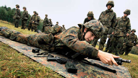 Conservatives resume infighting over military service