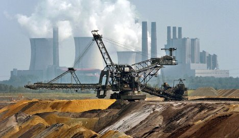 Berlin, Paris and London call for deeper CO2 cuts