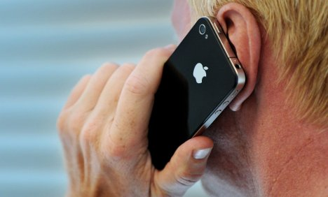 Government ministers warned not to use BlackBerrys and iPhones