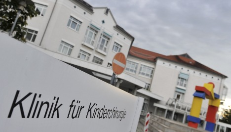 Dirty bottle likely source of bacteria in Mainz infant deaths