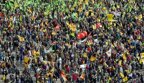 Thousands protest against nuclear energy