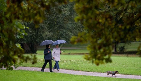 Wet weather to continue into the week, first frosts expected