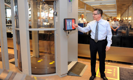 'Naked' body scanner unveiled at Hamburg Airport