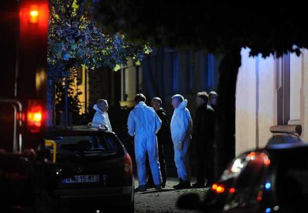 Police officers in a street in Lörrach on Sunday night.Photo: DPA